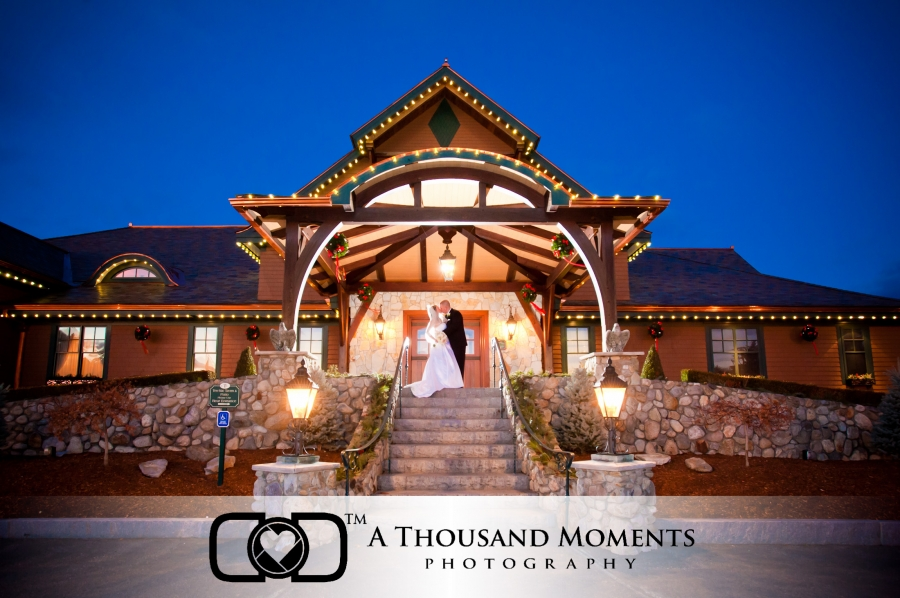 http://athousandmoments.com/wp-content/uploads/Tewksbury-Country-Club-26(pp_w900_h598).jpg